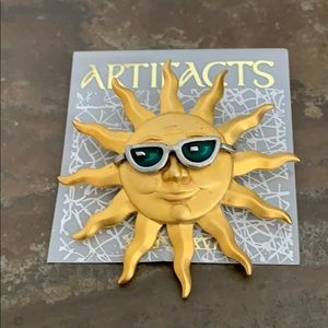 ARTIFACTS Cool Golden Sun With SunGlasses Brooch